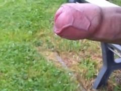 fast jerking in public park