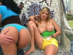 Sexy Violet Vasquez rubbing her Jazmyns round ass outdoors and licking her boobies