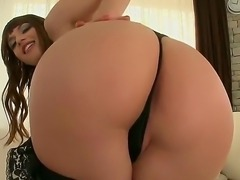 Today we have an awesome chick, Eliska Cross, and she wants to show what she can do with her delicious ass. How you see, she is working only with her naughty fingers. Now thats a real pro