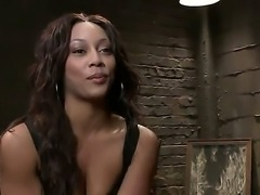 Sexy ebony waitress Leilani Leeanne has