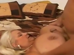 Fatty milf Linda sucks her fuckers dick and gets pleasure when she gets it in the mouth