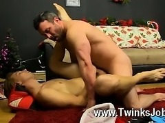 Hot twink Patrick Kennedy catches hunky muscle dude Santa delivering, and