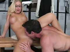 Nicole Aniston cant resist the desire to take Peter Norths erect tool in her mouth