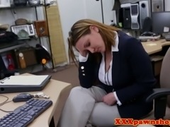 Hiddencam amateur sucks for cash