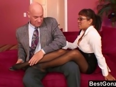 This hot office babe brings the boss in her home and she is being all formal and shit. Boss does not want any of that today. He wants her sexy ass feet on his throbbing penis.