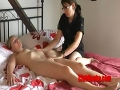 Submissive Hanka enjoying Zuzinka's masturbation
