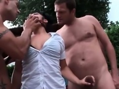 Sexy brunette babe gets horny sucking