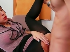 This bubble butt brunette sucks that rock solid pulsating penis before taking it up her gaping shaved cock hungry pussy on an office desk. Her moaning and pussy dripping is a sign of her pleasure