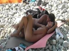 Voyeur saw a beach nudist that didn t want to have sex