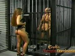 Slutty brunette playgirl gets to fuck her kinky prisoner har
