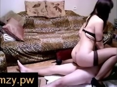 Camzy.PW - Majestic pink booty of a brunette webcam milf getting teased