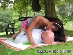 Homemade teen webcam Vivien meets Hugo in the park and can't stand