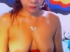 Kinky amateur web cam hooker showed off her saggy boobies for me