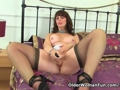 Scottish milf Toni Lace takes care of her hungry pussy