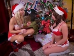 Alix Lynx Lesbian Christmas