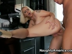 Dirty slut Mandy Sweet gives a hot blowjob and gets her pussy eaten on the kitchen table