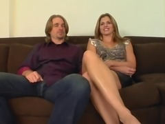 Sexy tanned MILF rides hard