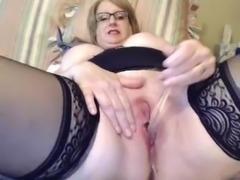 Horny granny masturbating on cam (very hot!)
