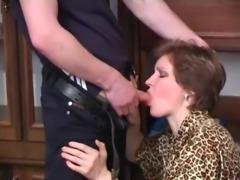 Sexy russian milf blowjob (xednorton)