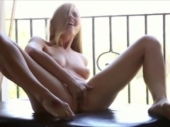 Super sexy blonde fingering herself