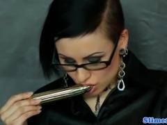 Alternative pierced gloryhole babe in specs