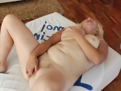 Mature granny dash to bedroom to finger her juicy pussy