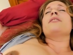 Hot mom tittyfuck with cumshot