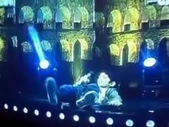 Jovencita es follada en la television en vivo