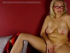 Gorgeous amateur mother needs your cock