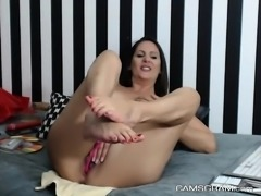 Adorable Shaved Camgirl Caught On Cam