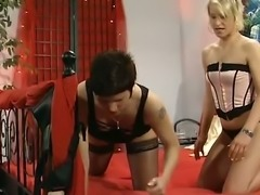 Pussy pumping kinky lesbians performs stout sex in bedroom