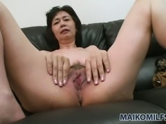 Michiyo Fukumoto wants her lover to make her muff wet with her vibrator