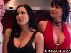 Brazzers - Mommy Got Boobs - Soccer Moms Suck