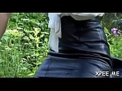 Hot babe takes a urinate on lover