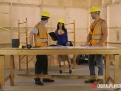 Shay Evans seduces a couple of workers for a great threesome