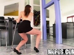 Mofos - Shes A Freak - Horny Home Alone starr
