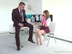 Chick bares her round bottom