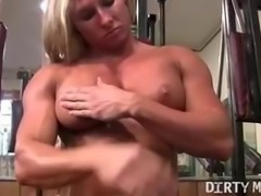 Ripped Female Bodybuilder Shows Off Her Muscles and Big Clit