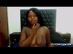 Sexy Ebony Shows nice tits