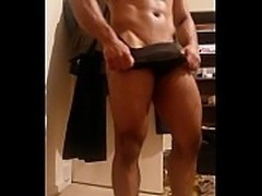 Bodybuilder teases and shows his small cock!