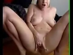 Big naturals fingering - I met her on Xgetlaid.com