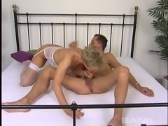 Mature amateur in nylon stockings having her pussy licked before getting nailed hardcore