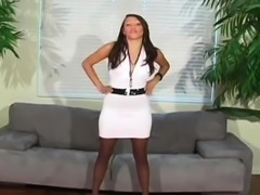 Mouthwatering gal shows love tunnel hole in hose