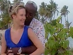 Married woman meets a black lover in Jamaica - Interracial Blog: abmwmw.blogspot.com