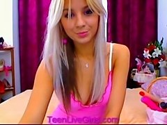 Smoking hot petite blonde plays on cam  free