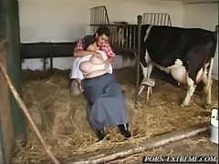 Oversized woman terrorised tiny yokel  free